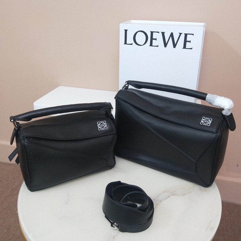 Loewe Puzzle Bag Classic Calf In Black Outlet Loewe Cheap Sale Store