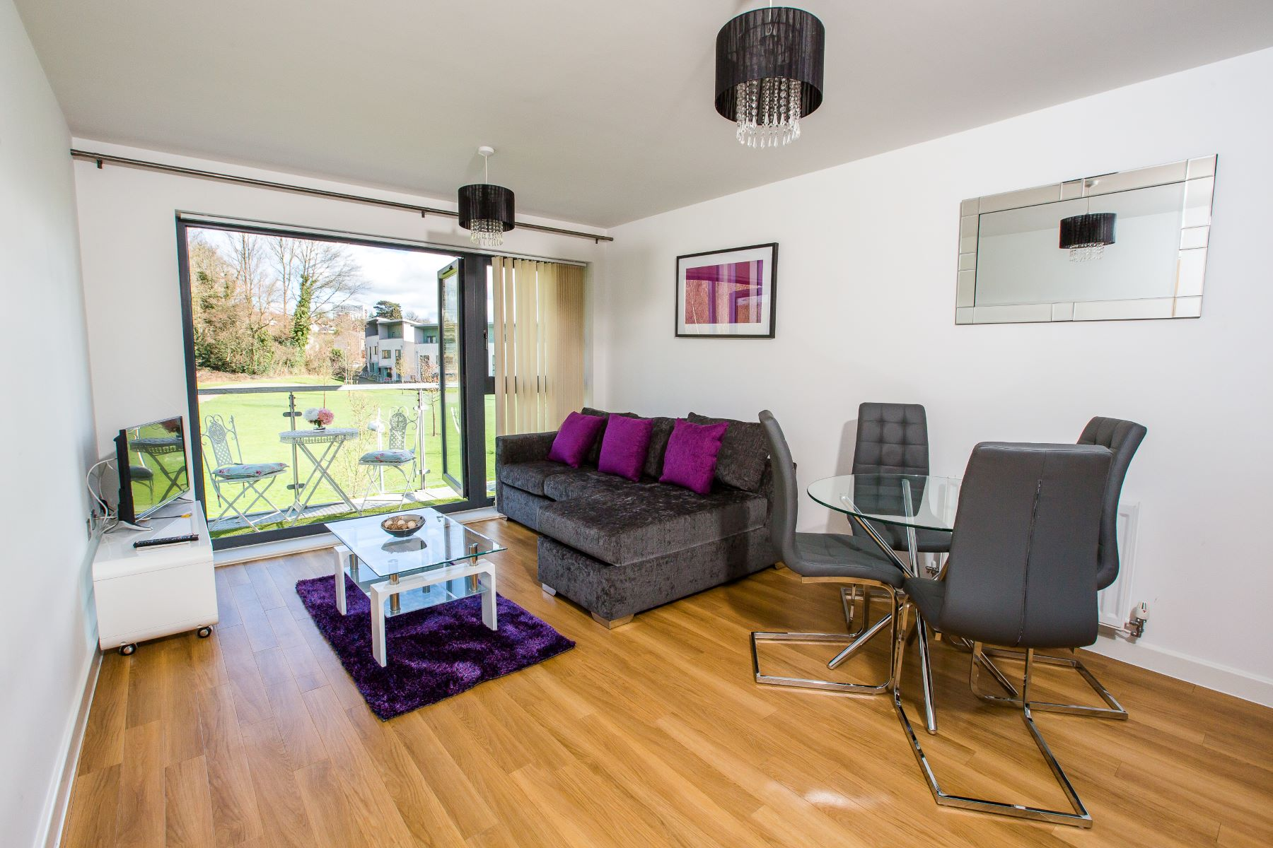 Serviced Apartments - Rock One Rooms - Book Direct For Best Rates